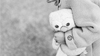 """VOICI - « Nous sommes brisés """" : l'influenceuse Kate Hudson annonce le décès de sa fille Eliza, 2 ans, le jour de la fête des pères (2)"""