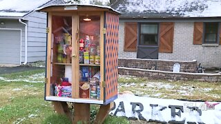 Overland Park Little Pantry helps feed community