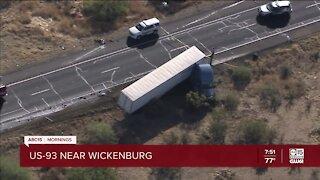 Deadly crash shuts down US-93 near Wickenburg