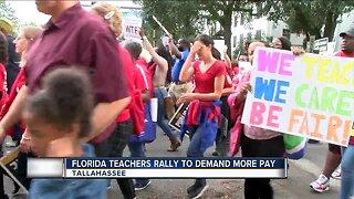 Florida teachers rally to demand more pay