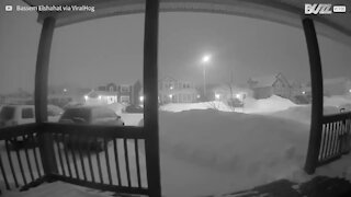 Au Canada, la neige ensevelit des maisons entières!