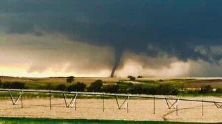 Storm chaser films giant tornado in Nebraska