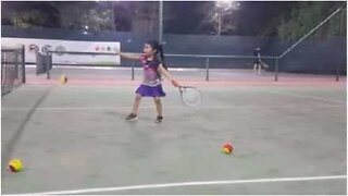 4-year-old girl shows off some impressive tennis skills