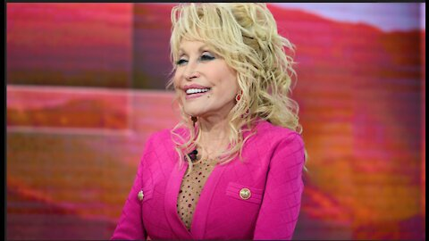 THERE SHE GOES AGAIN - DOLLY PARTON ON THE VACCINE!