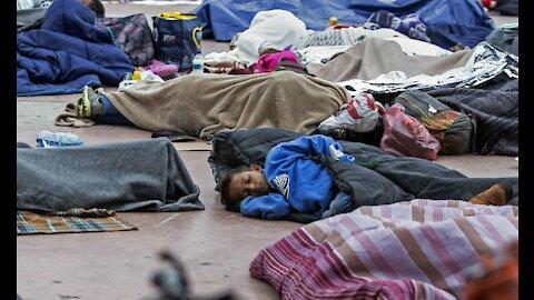 La ESCALOFRIANTE realidad que estarían viviendo los NIÑ()S en los campamentos de migrantes