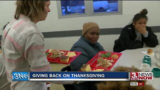 Two local volunteer cooks give back this Thanksgiving