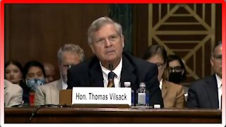 Lindsey Graham Rips into Sec. Vilsack About Border Problems - 2584