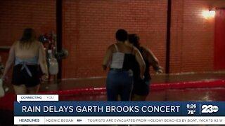 Rain delays Garth Brooks concert