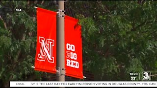 UNL class analyzes the media during election