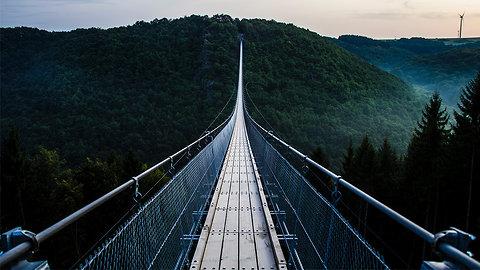 The Top 10 Craziest Bridges Around the Planet