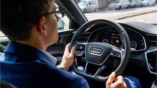 Audi's New Green Light Sensor Helps Drivers