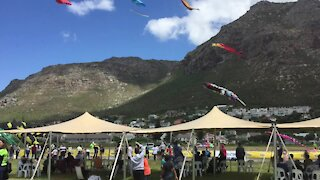 SOUTH AFRICA - Cape Town - Stock - Kites (Video) (Ro8)