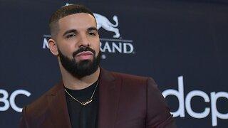 Drake Pays Tribute To Arya Stark During Billboard Awards Acceptance Speech
