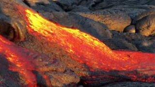 Utbruddet fra vulkanen Kilauea lager elv av lava