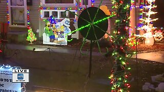 Frosty's Festival of Lights returns with Holiday display!