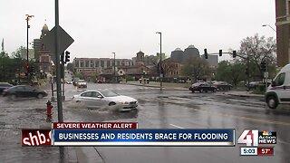 KC businesses, residents brace for flooding