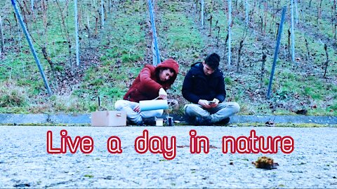 Live a day in nature and drinking a tea