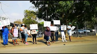 SOUTH AFRICA - Durban - Daleview Secondary school parents protest (Videos) (C7p)