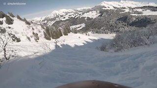 Snowboard: un saut spectaculaire, un atterrissage ridicule!