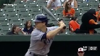 Rays all-star infielder Joey Wendle goes gloveless