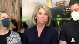 Stothert makes first speech since husband's death; resumes campaign for re-election