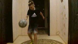 Amazing football freestyling skills 11-year old