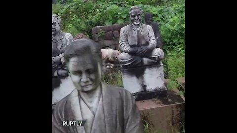 El perturbador parque de 800 estatuas en Japón   Sabías que...