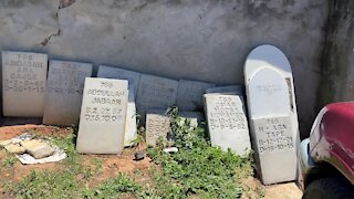 SOUTH AFRICA - Cape Town - Mowbray Muslim Cemetery desecration (Video) (L8c)