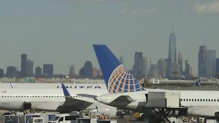 United Airlines offering vaccine incentives
