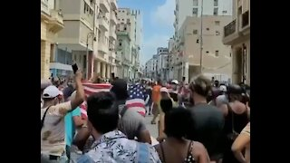 """Cuban Protestors Wave American Flags, Chant """"Liberdad!"""" in Anti-Communist Protests"""