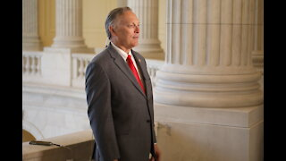 Congressman Biggs joins OAN to discuss the Democratic Party splintering under Nancy Pelosi