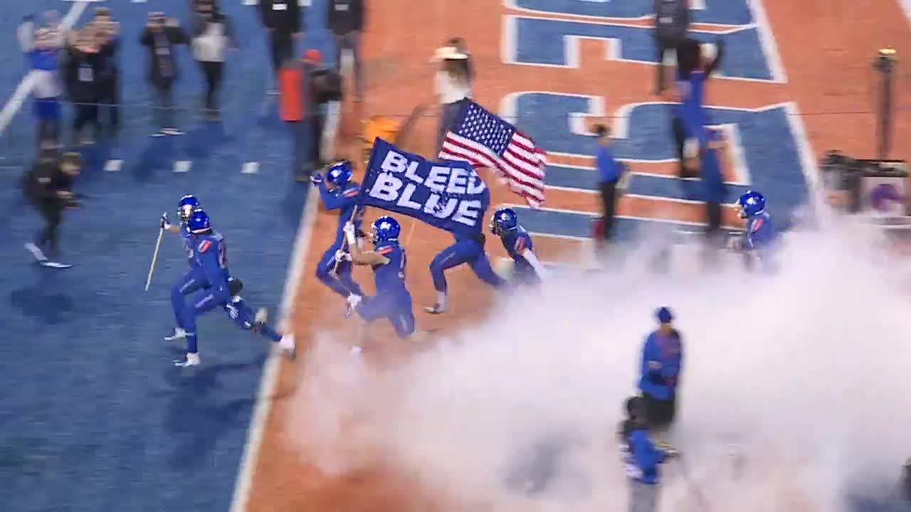 Boise State thumps New Mexico despite starting their 3rd different quarterback this season