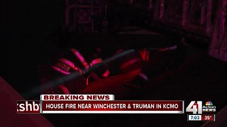 Early morning house fire causes damage to nearby homes