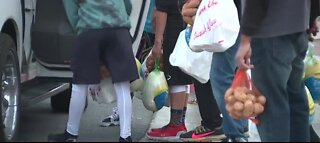 300 families in North Las Vegas receive Thanksgiving meals