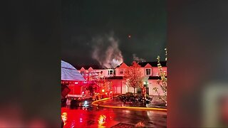 Fire breaks out at apartment complex