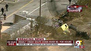 Deadly crash closes River Road