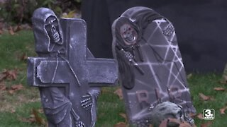 Health experts weigh in on safe ways to avoid COVID-19 while trick-or-treating