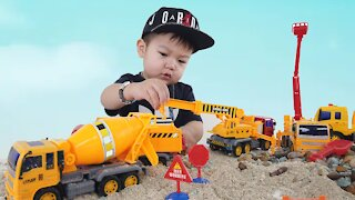 Mighty Machine Builders Friction Power Construction Play Set | Rocks and Sand | Jason Toys
