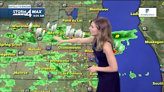 Morning thunderstorms clear out, sunny skies ahead
