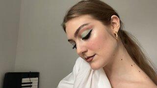 Mint Eyeshadow Makeup Look