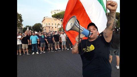 """Roma: corteo """"no green pass"""" si dirige verso la sede RAI"""