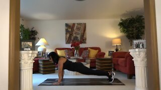 Fitness Friday – Working abs with planking