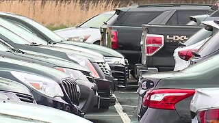 Experts urge social distancing on Easter, Cuyahoga County church holds drive-in service