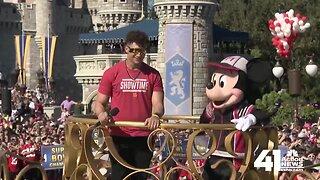 Chiefs' Patrick Mahomes makes Disney World visit