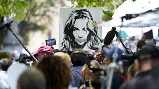 Britney Spears Asks Judge To End Conservatorship