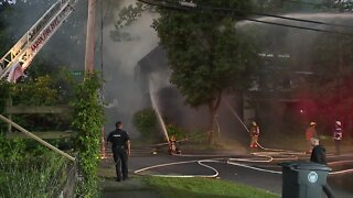 Akron firefighters respond to vacant house fire