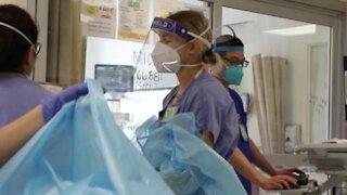 U.S. Air Force clinical nurse treats COVID-19 patients