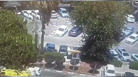 Massive Sinkhole Swallows Cars and Trees in Jerusalem