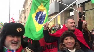 Marcha dos 100 anos da Revolução Russa em Moscou tem 'Fora, Temer'