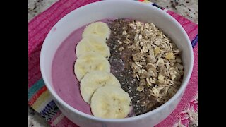 For a good smoothie bowl you just need a good blender